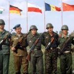 Disolución del Pacto de Varsovia.