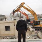 Administración civil sionista entrega mandato de demolición en  Khan Al-Ahmar.