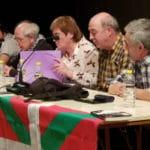 Abrumador éxito en la charla de las madres y padres de Altsasu en Zaragoza